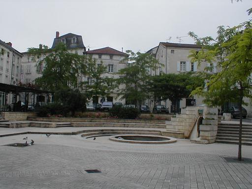 Restaurant Angouleme Place Du Palet